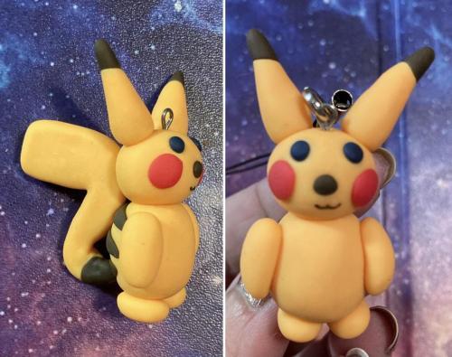 Pikachu_pokemon_charm
